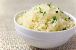 Чтобы рис был белый и рассыпчатый. Проще простого: как сварить рис на гарнир